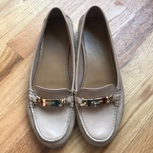 COACH OLIVE LOAFERS NUDE TAN SIZE 10 B